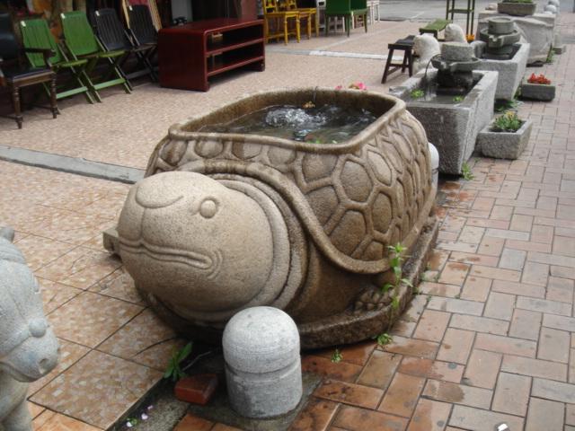韓国語で亀は거북(コブッ)なお、亀は韓国でもめでたい生き物のようです(笑... きまぐれかもめの