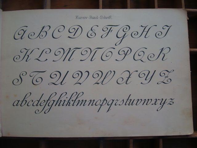 カリグラフィー イタリック体の練習用紙の作り …