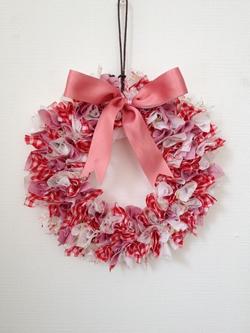 リース 手作り 布 クリスマスの布リースのおしゃれな作り方!100均の材料で簡単手作り!...